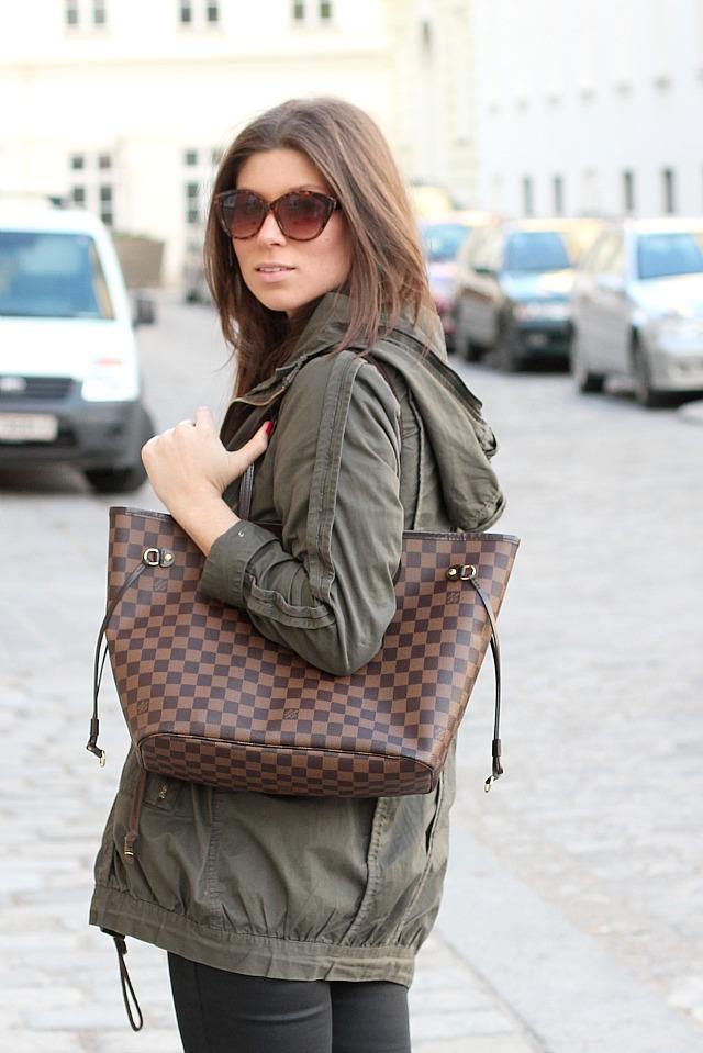 Louis Vuitton Neverfull MM in damier ebene