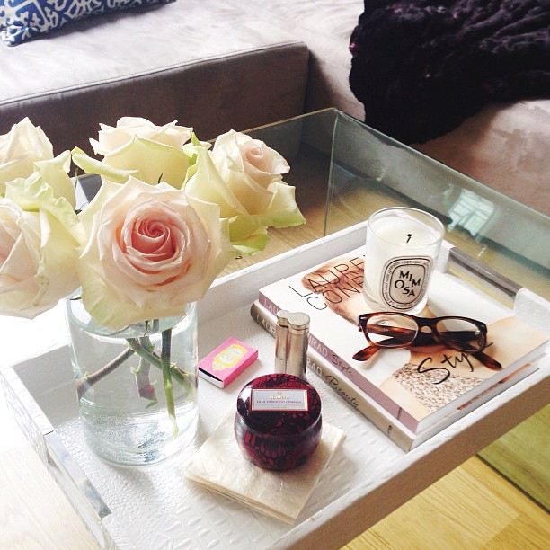 white (faux croco) tray + roses
