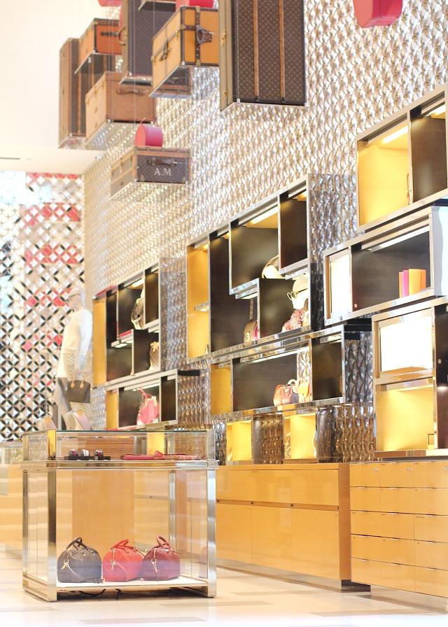 Louis Vuitton Maison on Champs Élysées