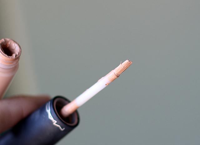 MAC cosmetics concealer (nw25)