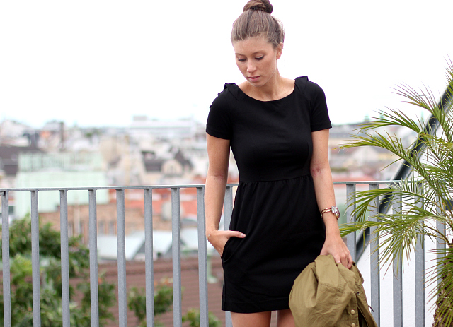 Girissima - dress by French Connection