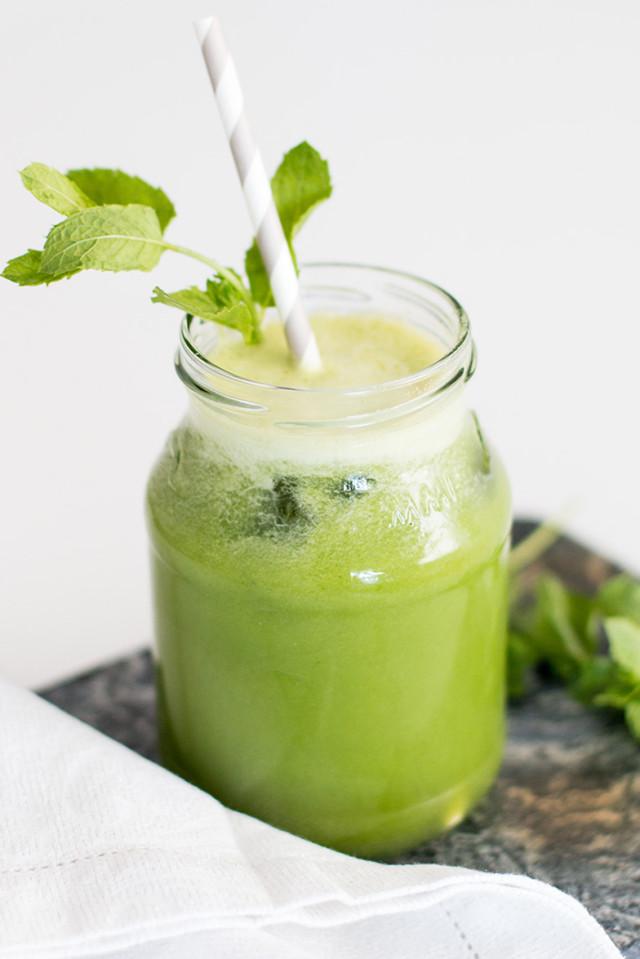 Detox Green Juice - Bikinis & Passports