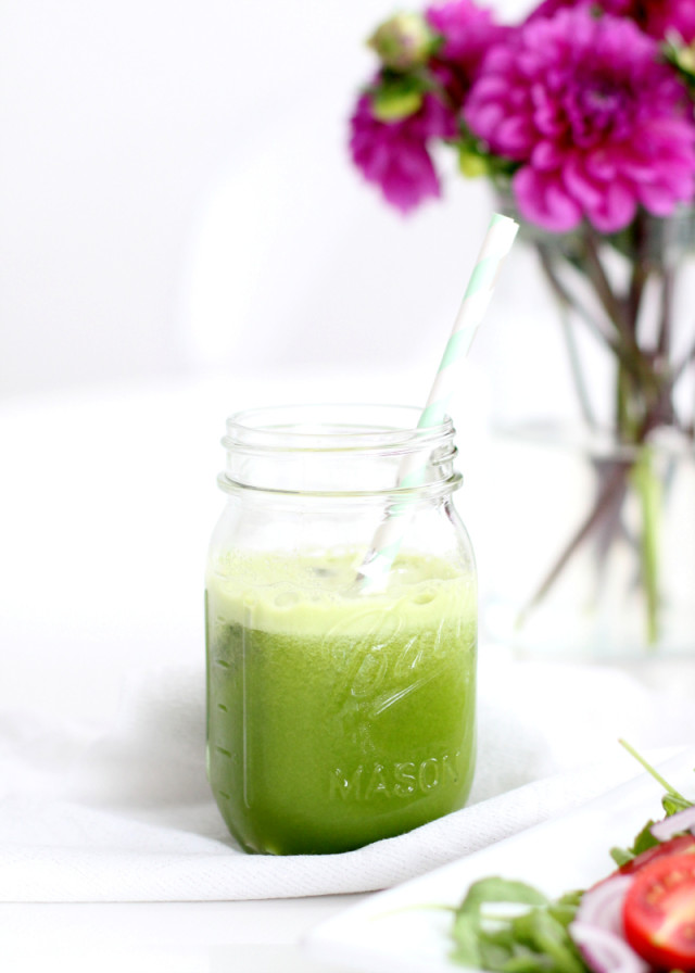Green Juice Recipe with Celery and Spinach