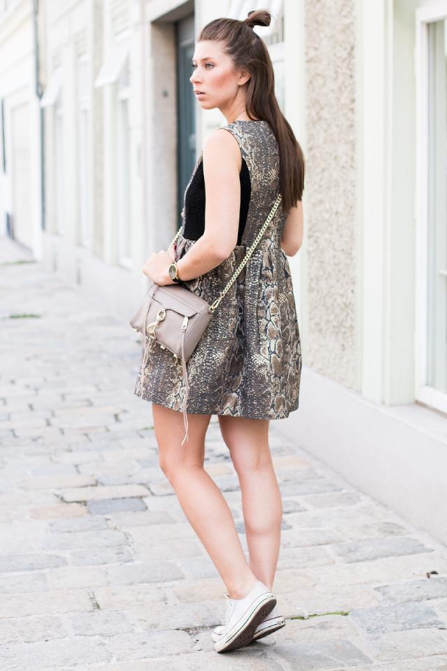 saying good-bye to summer, Bonsui snake-print dress - Bikinis & Passports