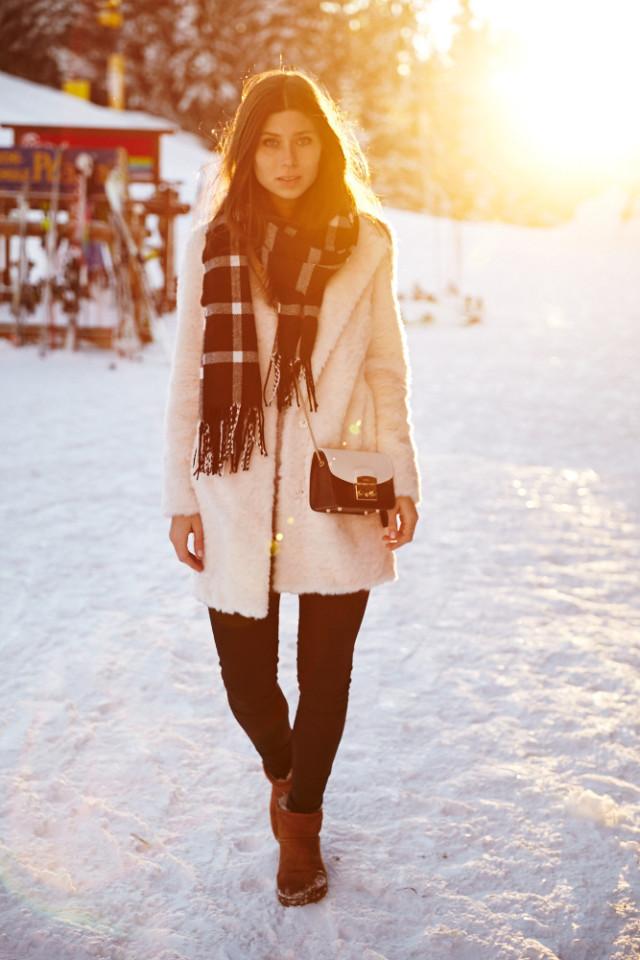 warm winter outfit with Zalando - Bikinis & Passports