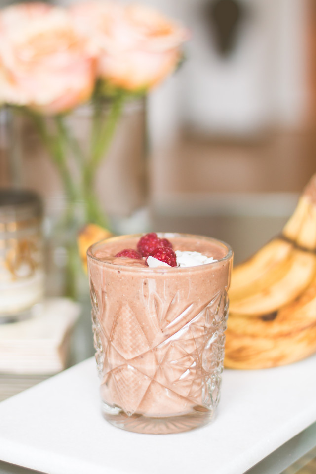 Chocolate Banana Breakfast Smoothie | Bikinis & Passports