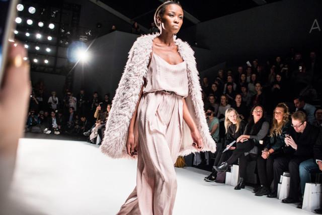 Berlin Fashion Week Beauty Trends | Bikinis & Passports