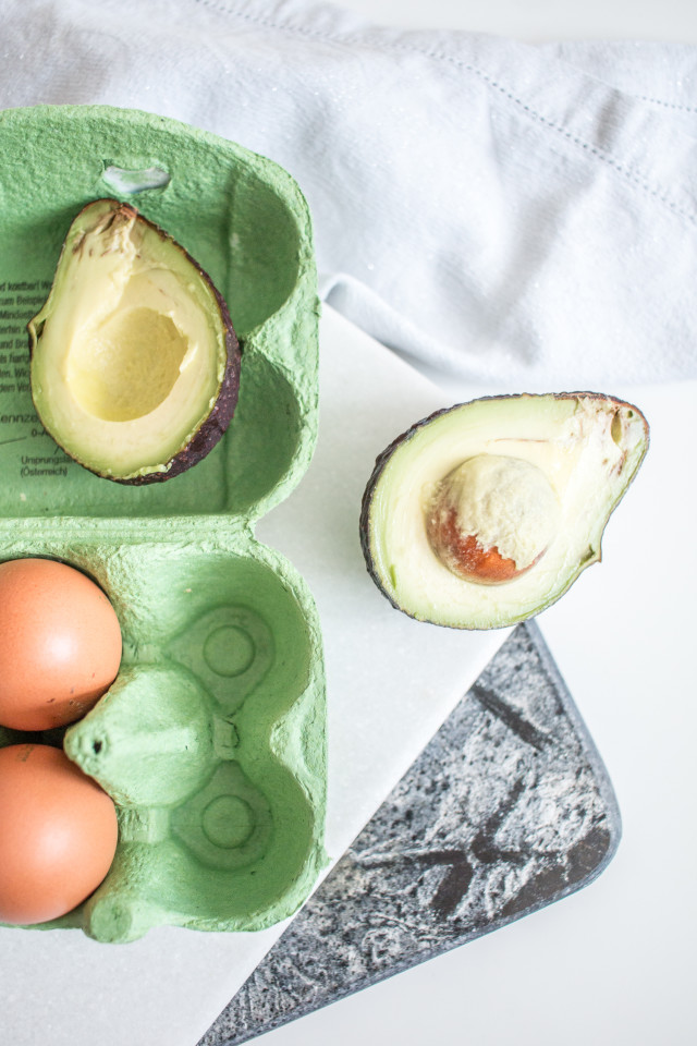RECIPE: poached egg on avocado bread | Bikinis & Passports