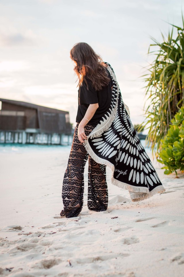 "OUTFIT: the beach people round towel ""Tulum"" 