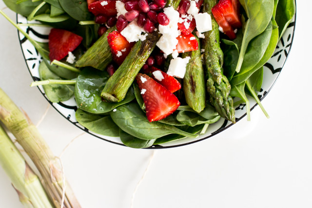 asparagus-strawberry-salad-11