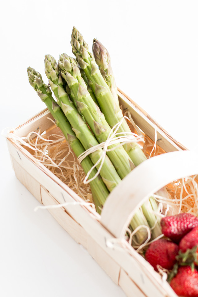 asparagus-strawberry-salad-3