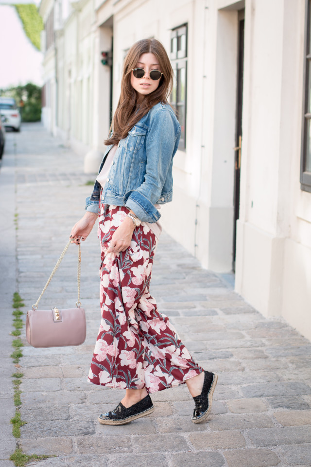 OUTFIT: floral pants & omega seamaster aquaterra rosé gold bicolor watch | Bikinis & Passports