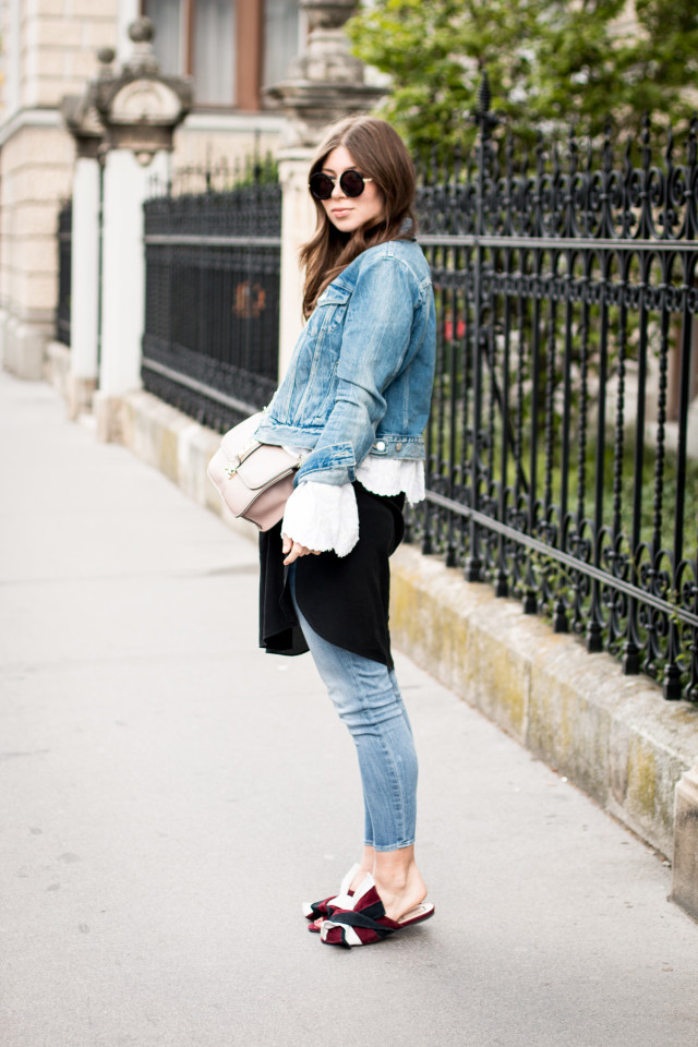OUTFIT: N°21 suede slippers   Bikinis & Passports