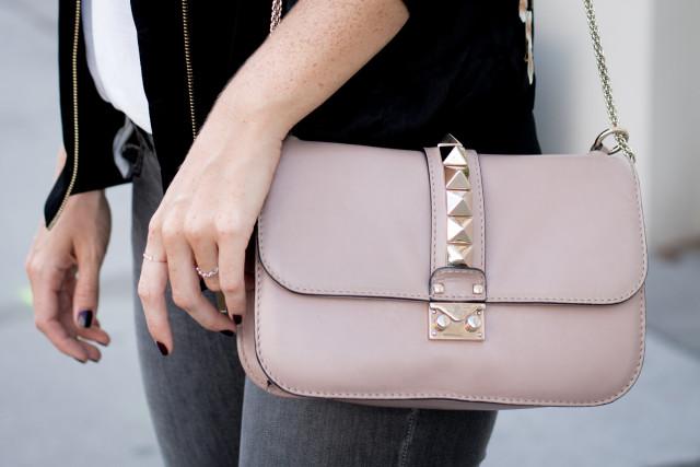 Valentino medium lock bag in powdery pink - Bikinis & Passports