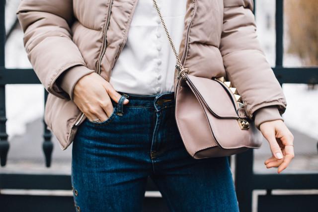 Valentino medium lock bag - p45 powder pink | Bikinis & Passports