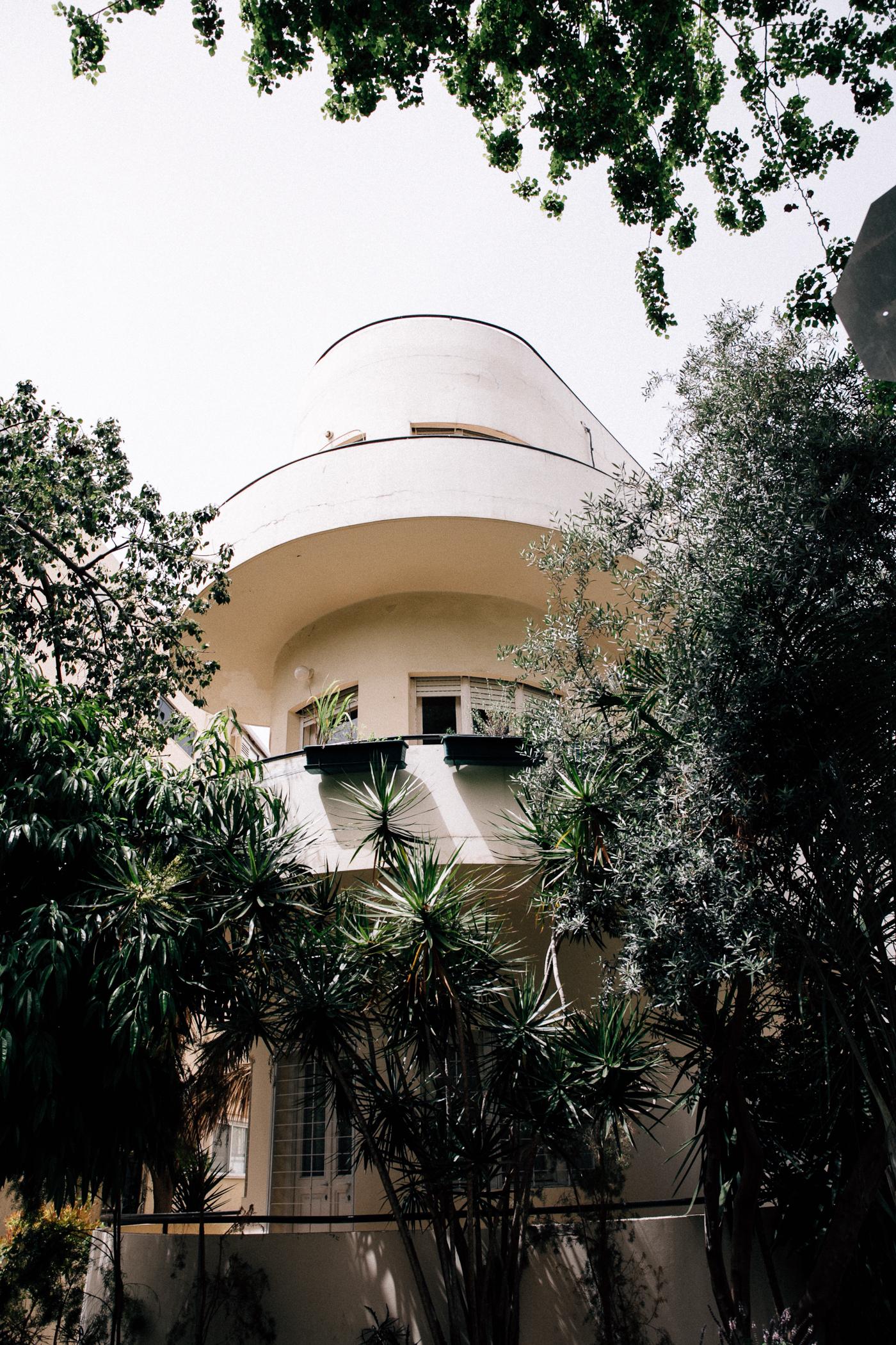 Tel Aviv Bauhaus open museum, Bauhaus walking tour - Bikinis & Passports
