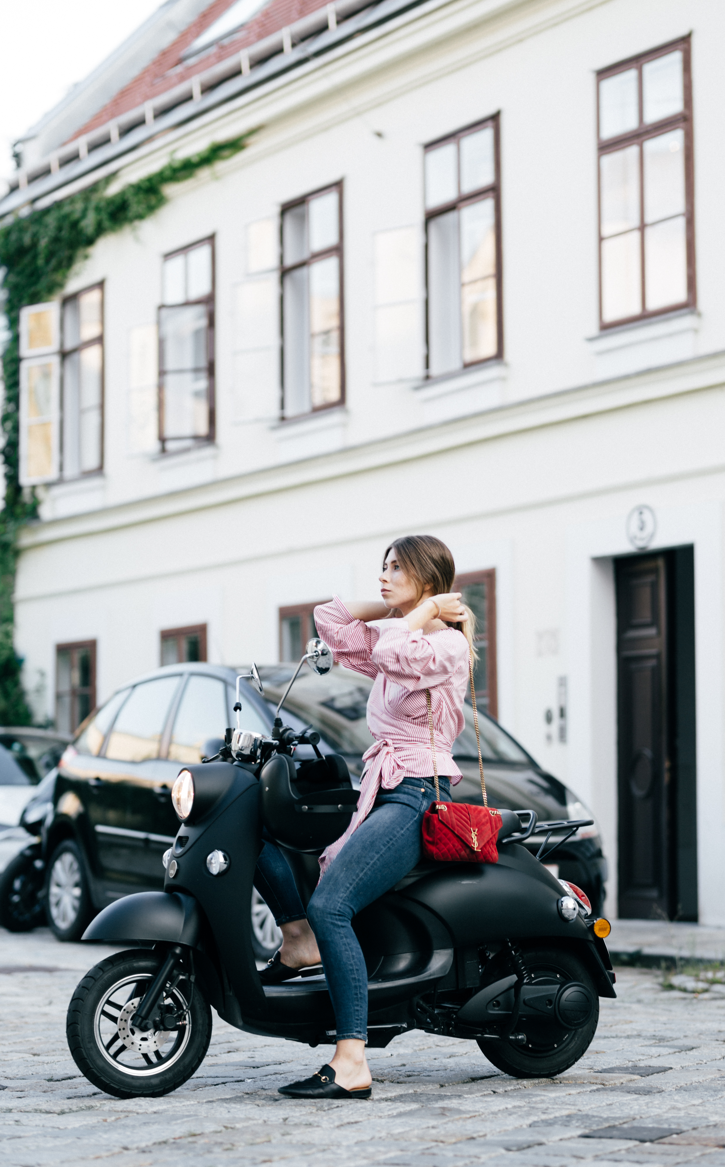 Unu Scooter - Electric Scooter | Bikinis & Passports